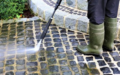 The Difference Between Power Washing and Pressure Washing